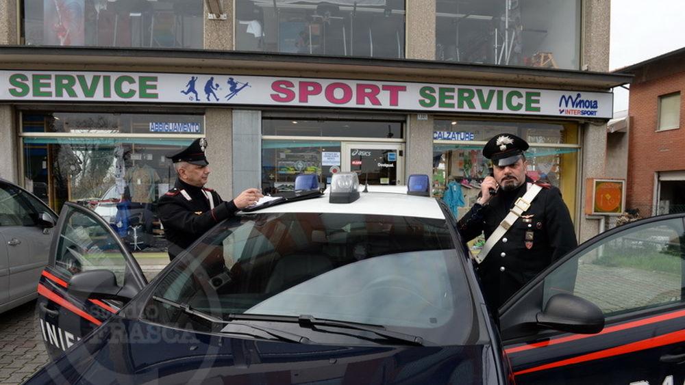 Ritrovate nel bolognese circa 900 paia di scarpe rubate allo Sport Service  di Forlimpopoli f7315dc2dd7