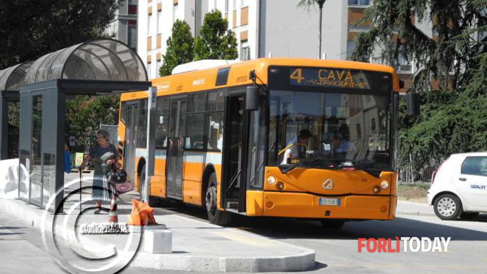 Orari estivi del bus per l 39 irst al centro di una segnalazione troppe attese segnalazione a - Orari bus cesena bagno di romagna ...