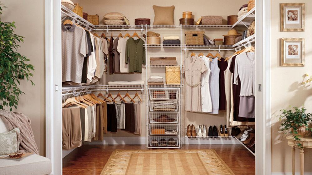 Come ricavare una cabina armadio in camera