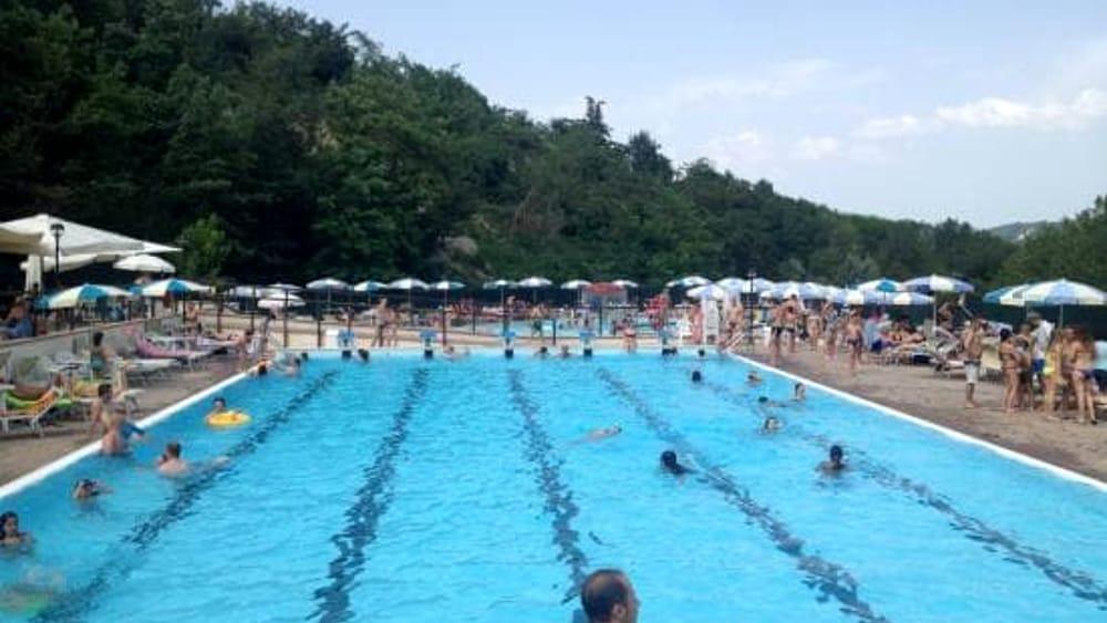 Gas tossico in piscina si va verso la bonifica delle vasche e le denunce - Piscina bagnolo ...