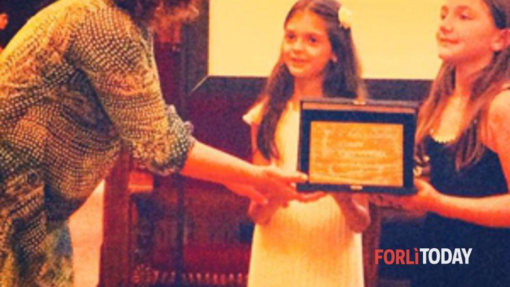 Il primo premio del camaiore film festival vola a forlì