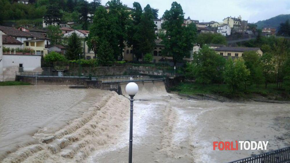 Meteo 66 ore di allerta in emilia romagna previste piogge con vento forte - Meteo it bagno di romagna ...