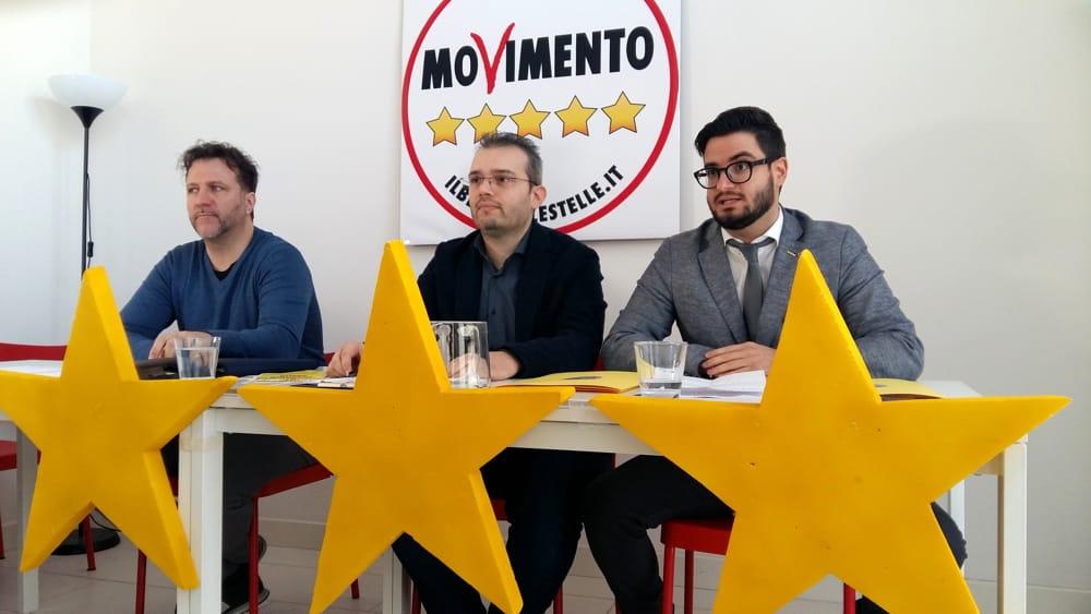 Elezioni a sostegno di daniele vergini agor in piazza for Parlamentari 5 stelle elenco
